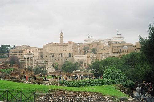 2004.02.27.034 - ROMA - Foro Romano - Tempio dei Dioscuri 'Tempio dei Càstori' / Tempio di Saturno / Arco di Settimio Severo