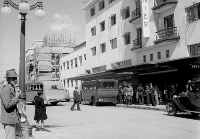 El Hotel Burnier frente a la plaza de Osorno