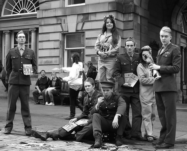 Edinburgh Fringe on the Mile 2012 01