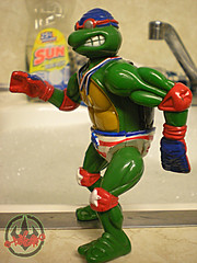"""TURTLE GAMES"" TEENAGE MUTANT NINJA TURTLES :: SUPER-SWIMMIN' RAPH viii (( 1992 ))"