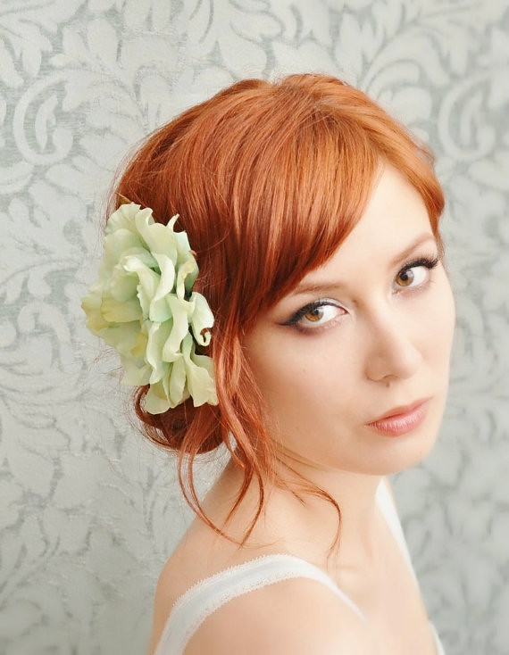 Eloise - mint green wild rose clip