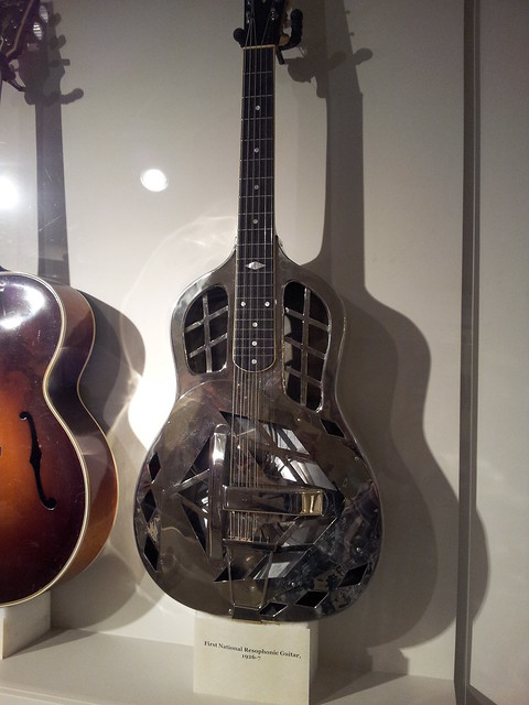 Photo:First National Resophonic guitar (1926-7) By doryfour