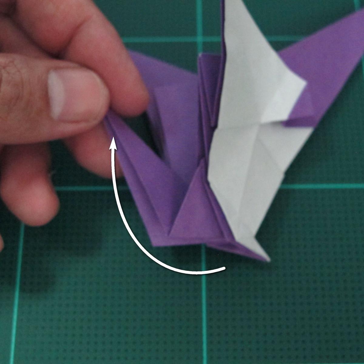 วิธีพับกระดาษเป็นรูปนกอินทรี (Origami Eagle) 028