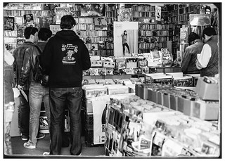 Standing In Line on Record Store Day 2014