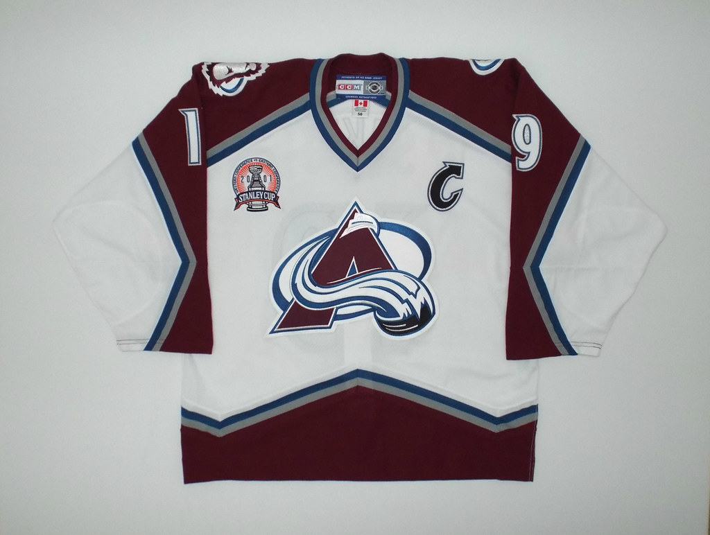 '00-01 Colorado Avalanche CCM Sakic Home