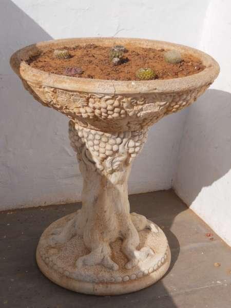 Jardineros en acci n fuentes decorativas para jard n for Setas decorativas para jardin