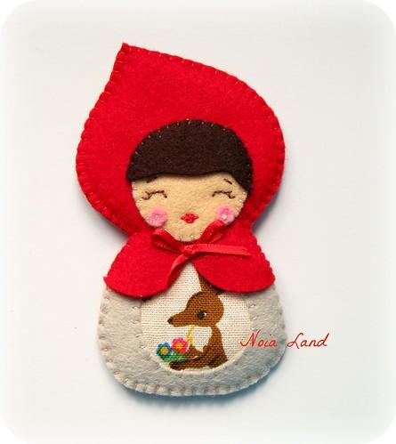 Broche Caperucita roja