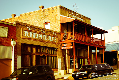 Tchoupitoules - Crockett, Texas