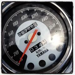 odometer, gauge, speedometer, tachometer,