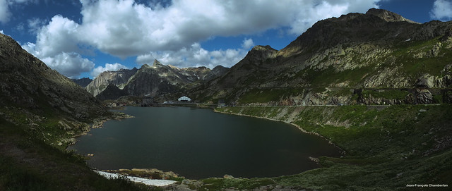 Lac du Grand-Saint-Bernard