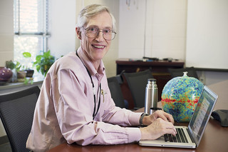 Nobel Laureate John Mather Tweet-chats at NASA