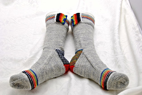 Rainbow Pipes and Linen Stitch Socks SM8-3