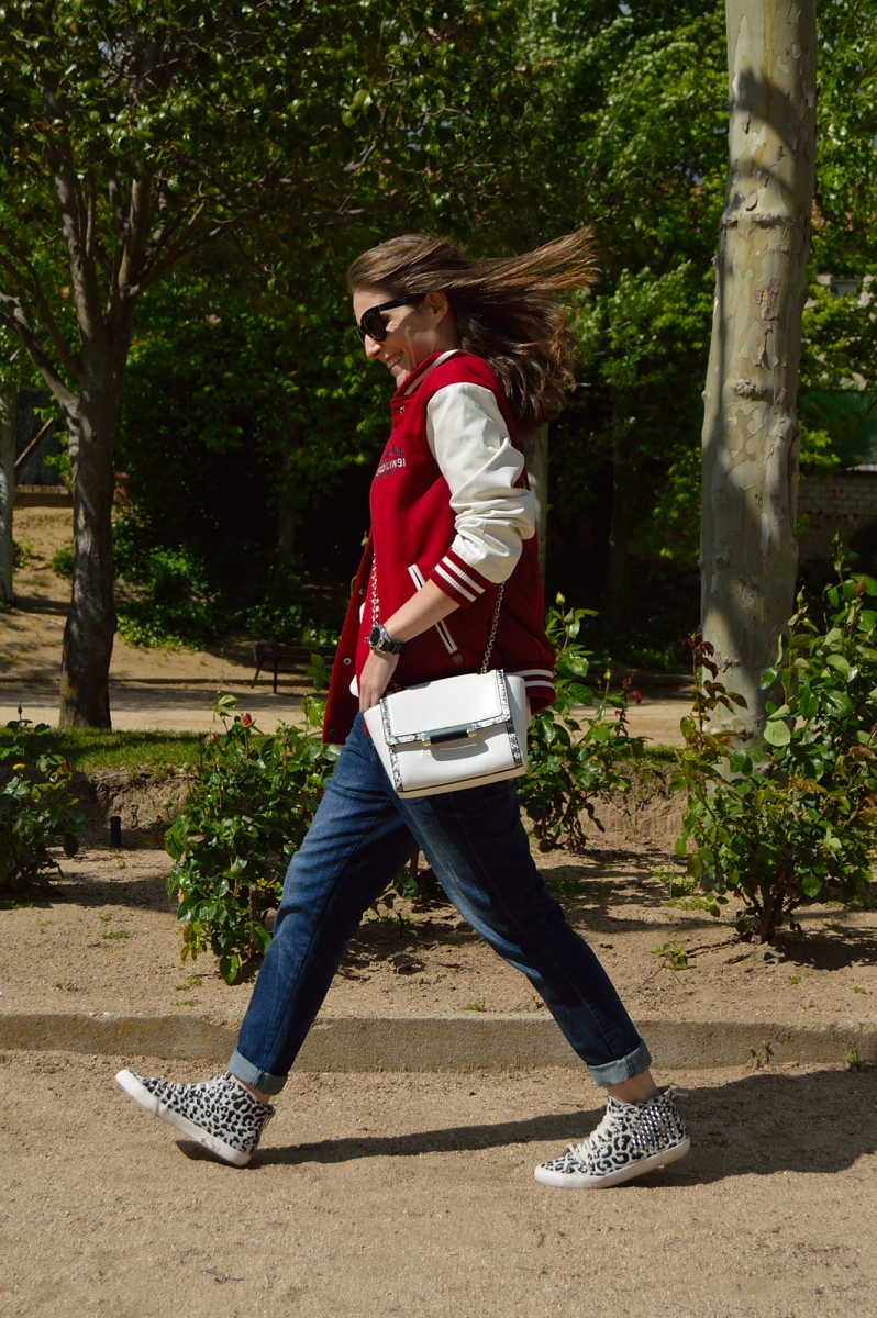lara-vazquez-madlula-blog-fashion-look-spring-white-dvf-bag