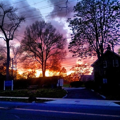 city trees sunset urban usa color philadelphia clouds america square unitedstates pennsylvania pa driveway squareformat philly eastfalls 215 cityofbrotherlylove aldenpark midvaleave iphoneography instagram instagramapp uploaded:by=instagram