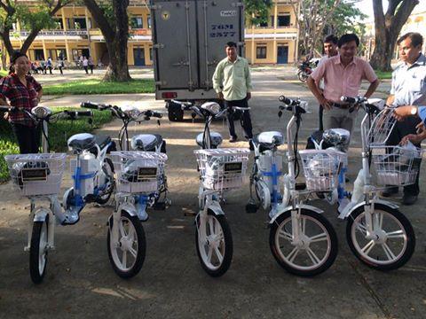 Nhà máy bia dung quất Quảng Ngãi tài trợ cho học sinh trường thpt Bình Sơn.