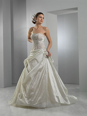 For a more romantic look a wedding dress will embody the ultra feminine