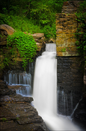 mill georgia waterfall roswell