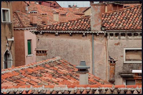 gekleurde daken by hans van egdom