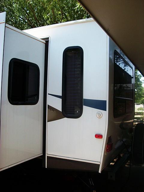 rv rear living outside window