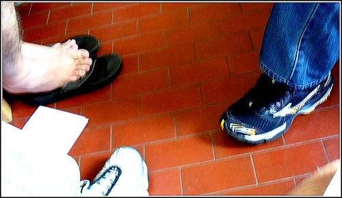 Tenis & pé by Paulo JS Ferraz