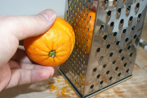 25 - Schale abreiben / zest orange peel