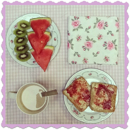 shabby chic breakfast