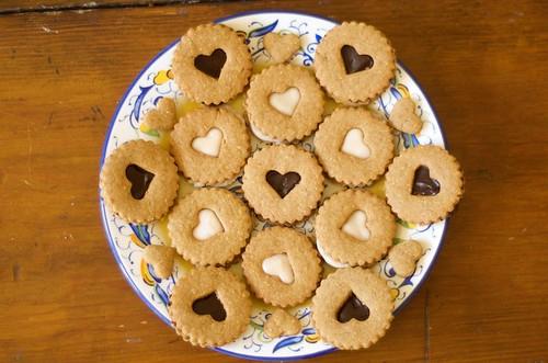 peanut butter linzer cookies 1