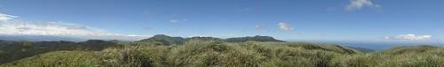 竹子山、小觀音山、七星山連成一線
