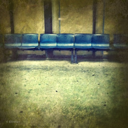 40:365 Waiting Room by elineart