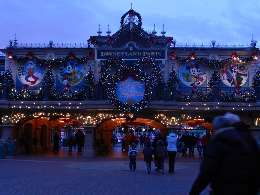 Un séjour pour la Noël à Disneyland et au Royaume d'Arendelle.... - Page 2 13643403305_89d9f8e6ce_b