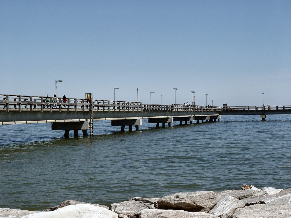 Outdoors st mary 39 s st mary 39 s county md tourism for Point lookout fishing pier