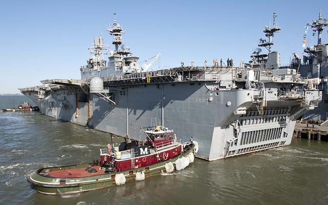 uss iwo jima lhd 7 departs naval station norfolk
