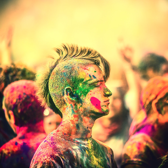 7121142407 8acb482dfa z 15 Amazing Images Of The Festival of Colors