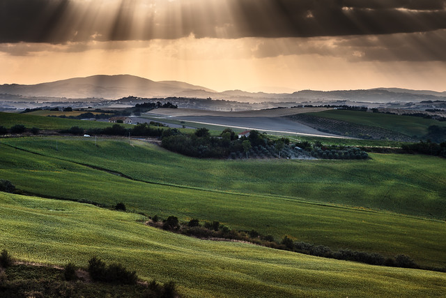 Landscape, Italy, light from the sky