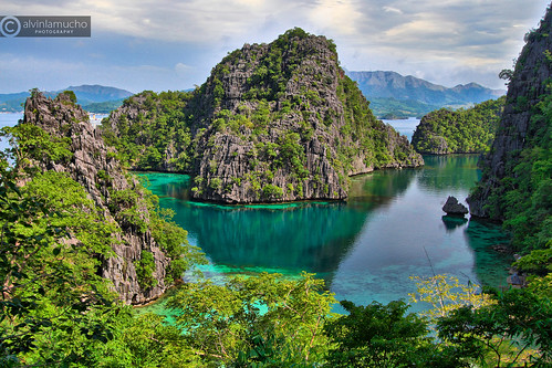 mountain lake reflection green island lagoon clean 7d coron hdr bluelagoon touristspot islandhopping palawan bodyofwater alvinlamuchocanon