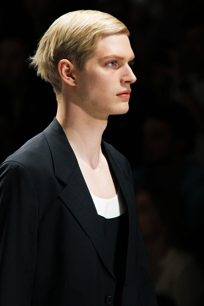 Carlos Peters3006_SS13 Milan Prada(VOGUE)