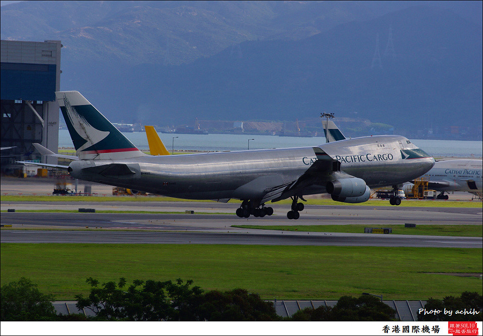 Cathay Pacific Airways / B-HUO / Hong Kong International Airport
