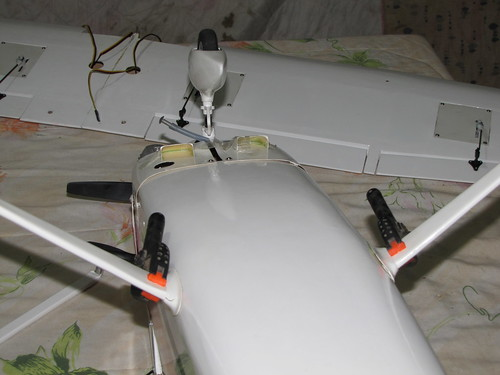 Montagem do Cesna 40 The World Models 7608917326_e1b1c11afc