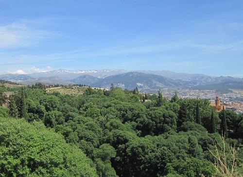 シェラネバダ山脈/アルハンブラ宮殿から見る 2012年6月4日 by Poran111