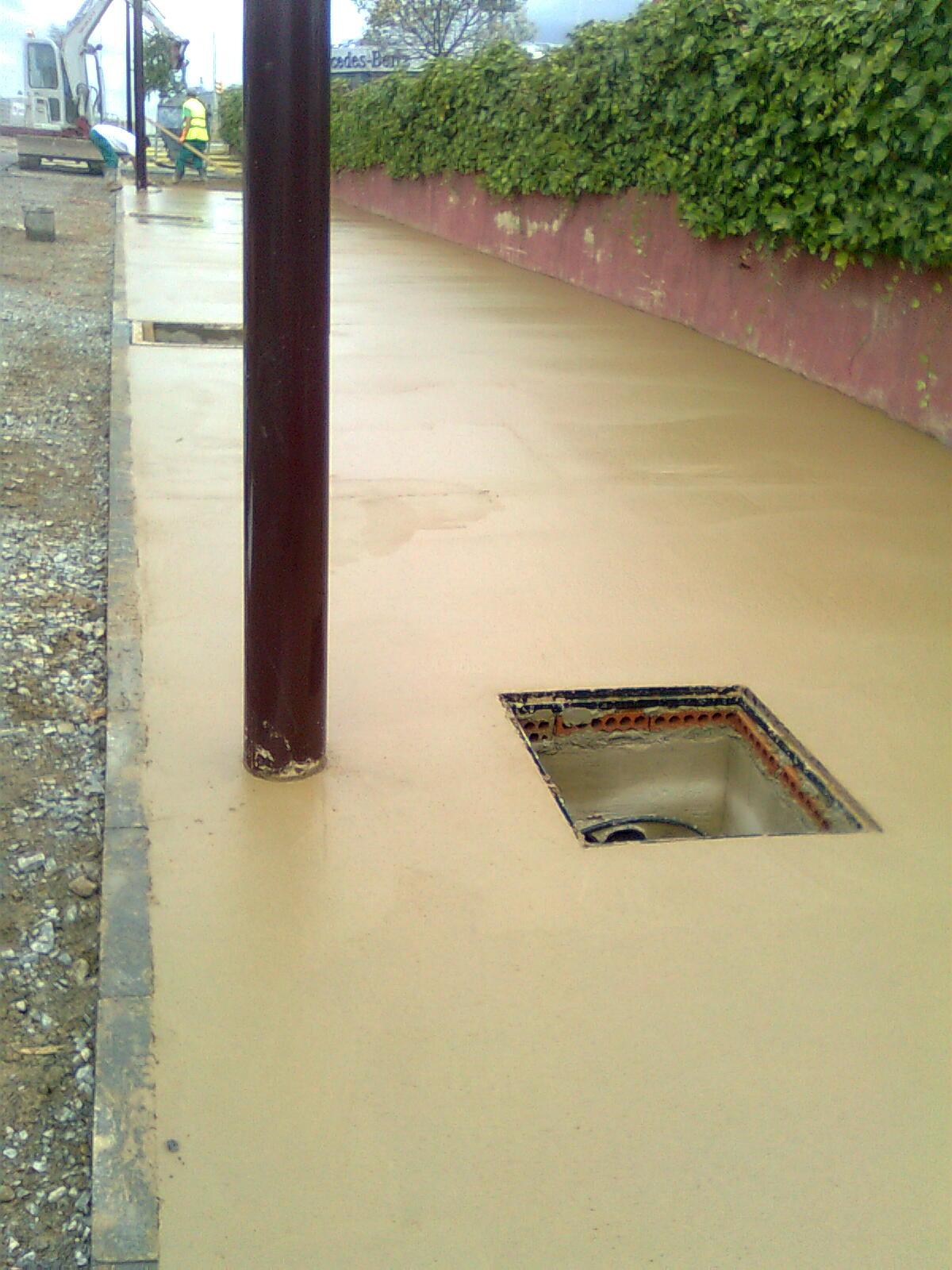 Pigmentos en cemento for Hormigon encerado sobre suelo de baldosas