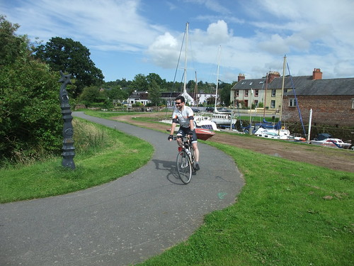 Riding the NCN 7 beside the Nith
