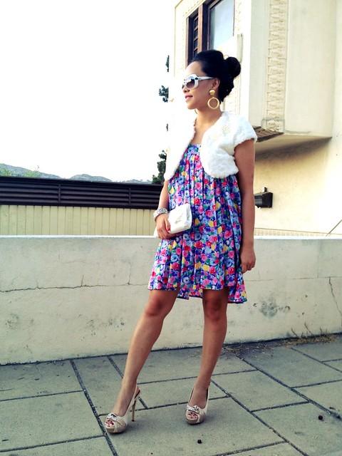 Watercolor Floral Pleats  Instagam-pslilyboutique-los-angeles-fashion-blogger-white-crop-jacket-vintage-floral-skirt-banana-republic-bag-guess-sunglasses-vintage-earrings