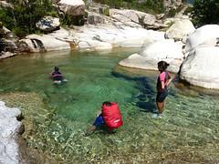 Descente aquatique du ruisseau de Sainte-Lucie : vasque circulaire
