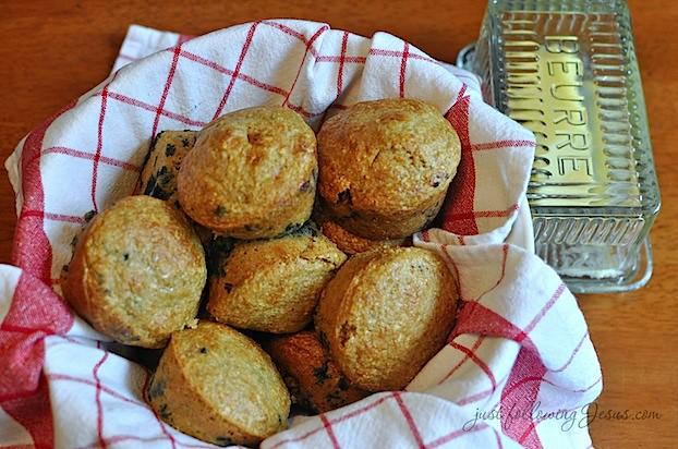 blueberry muffins 82112a.jpg
