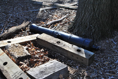 Ft Lee Historic Park - Loose Cannon