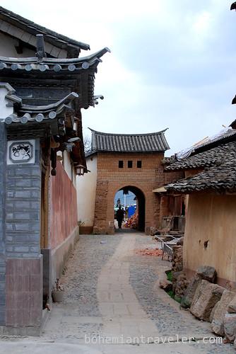 gate Shaxi Yunnan