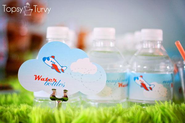 airplane-baby-shower-water-bottles