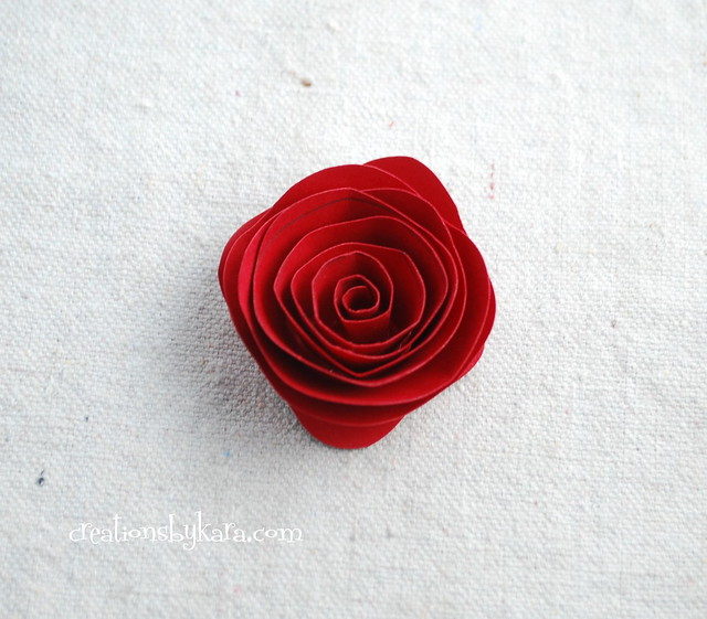 rolled-paper-roses-tutorial-010