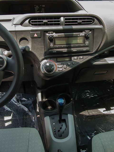 Prius C 2012 Central Dash and Shifter