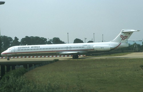 Air16-276German Wings MD83